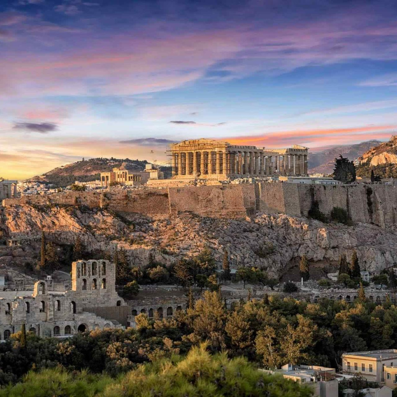 https://hotelslooks.com/wp-content/uploads/2018/09/destination-athens-01-1280x1280.jpg