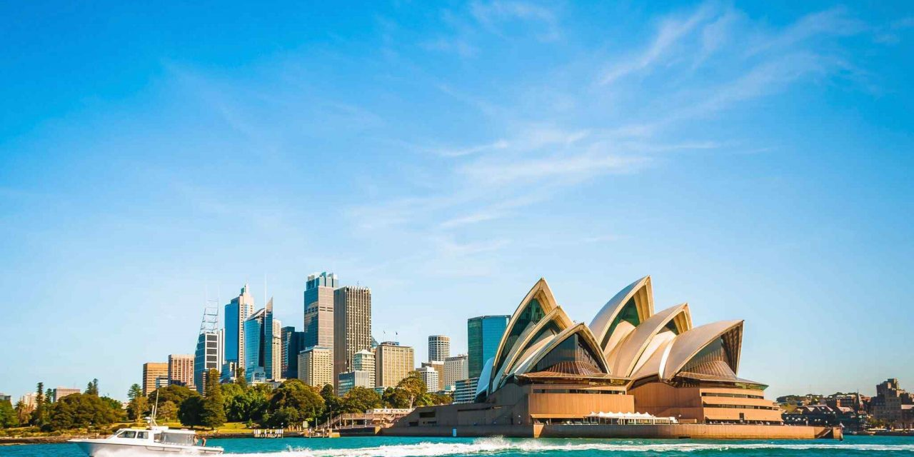 https://hotelslooks.com/wp-content/uploads/2018/09/destination-sydney-08-1280x640.jpg